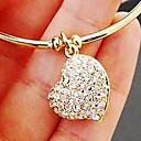 女性の心のダイヤモンドのブレスレット