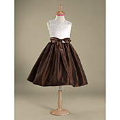 Knee-length Lace / Taffeta Junior Bridesmaid Dress A-line / Princess Jewel