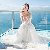 女性の外中空レースの刺繍ロングドレス