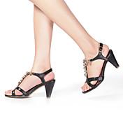 zapatos de las sandalias de zapatos de las mujeres