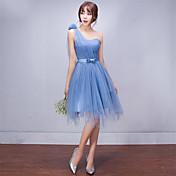 Una línea de un hombro corto / mini vestido de dama de honor de tul con drapeado lateral