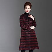女性 カジュアル/普段着 / プラスサイズ 冬 ストライプ コート,シンプル Vネック レッド ポリエステル 長袖