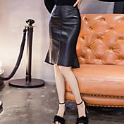 サインスプリング腰PUレザースカートの女性のスカートパッケージヒップステップスカートのセクシーなフラッシュスリム薄いフィッシュテールスカート