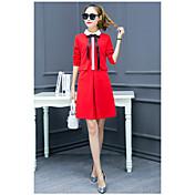 2017年新春は薄いドレスツツスカートが底をつく秋と冬の赤い長袖ワンピースでした
