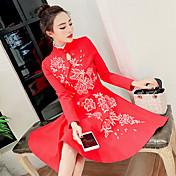 新しいスリム薄いスカートのドレスを刺繍された襟の冬の女性dongkuan 17春に署名