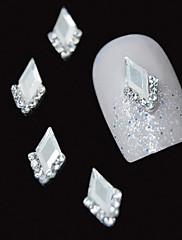 10個入り白侯爵の3DラインストーンのDIY合金アクセサリーネイルアートの装飾
