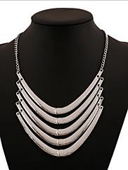 Dámské Prohlášení Náhrdelníky vrstvené Náhrdelníky Slitina Prohlášení o šperky Bohemia Style Přizpůsobeno Stříbrná Zlatá ŠperkyDenní