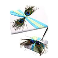 patrón de pavo real con el libro de invitados de la boda de la pluma y la pluma set signo en el libro