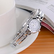 Women's Fashionable Style Strap Watch Silver Alloy Analog Quartz Bracelet Watch Imitation Diamond Wrist Watches Unique Watches