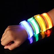 LED-käsivarsinauha juoksuun Heijastinnauha Heijastinvyö juoksuun Hyvä näkyvyys Turvallisuus vartenTelttailu/Retkely/Luolailu Pyöräily