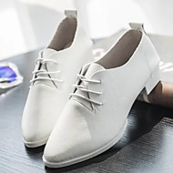 Women's Spring / Summer / Fall / Winter Comfort / Pointed Toe Leatherette Outdoor / Casual / Athletic Low Heel Black / White