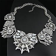 Women European Style Fashion Metal Bright Shiny Imitation Gemstone Exaggerated Statement Necklace