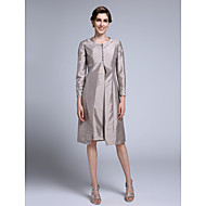 Lanting Bride Sheath / Column Mother of the Bride Dress Knee-length Long Sleeve Taffeta with Appliques