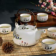 かわいいフクロウの手描きポットで設定した高温の磁器茶(650ミリリットル)と5杯(各150ミリリットル)