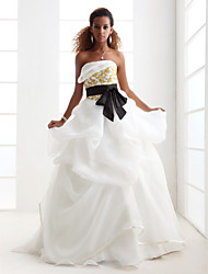 Lanting Ball Gown Plus Sizes Wedding Dress - Ivory Sweep/Brush Train Strapless Satin/Organza