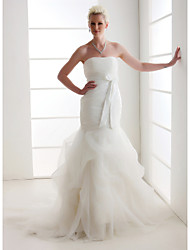 Lanting Bride Trumpet/Mermaid Petite / Plus Sizes Wedding Dress-Court Train Strapless Organza / Satin