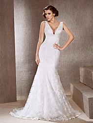 Trumpet/Mermaid Plus Sizes Wedding Dress - Ivory Sweep/Brush Train V-neck Lace