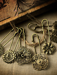 Bronze Vintage Floral Style Brooch(Product May Vary)