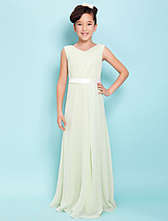 Lanting Bride® Floor-length Chiffon Junior Bridesmaid Dress Sheath / Column V-neck Natural with Sash / Ribbon / Side Draping