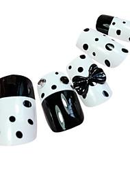 point noir de style bout des ongles faux