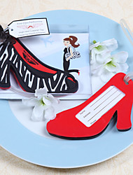 sapatos de salto alto em forma de bagagem favor do casamento tag