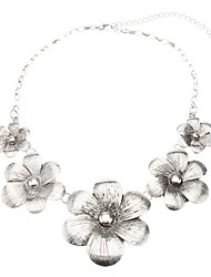 Vintage Silvery Flower Necklace