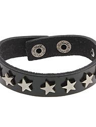 Кожаный браслет, украшенный 5-конечными звездами