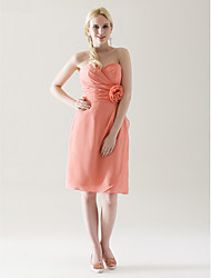Knee-length Chiffon Bridesmaid Dress - Sheath / Column Strapless / Sweetheart Plus Size / Petite with Flower(s) / Criss Cross / Ruching