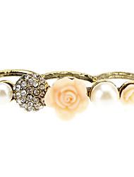 Diamant Rose fleur de perle de Trois se réfère à la bague