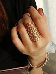 Frauen hohle Spitze geschnitzt Ring (Innen-Ø: 17,5 mm)
