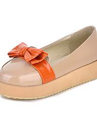 Damesschoenen - Casual - Zwart / Wit - Platform - Zachte zool - Platte schoenen - Lakleer
