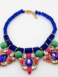 Aleación elegante con el collar de diamante de imitación / Resina mujeres