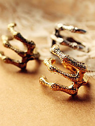 Women's retro punk demon sharp claws rings (random color)