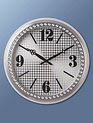 "17 ""H Gabinete White Metal Wall Clock"