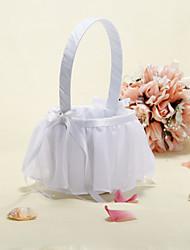 panier de fleurs avec du ruban et fil décorée fille fleur panier