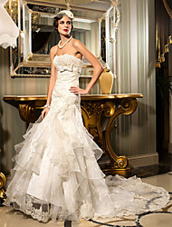 Lanting Bride Trumpet/Mermaid Petite / Plus Sizes Wedding Dress-Court Train Strapless Lace / Organza / Satin