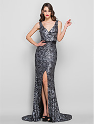 TS Couture® Formal Evening / Military Ball Dress - Furcal Plus Size / Petite Trumpet / Mermaid V-neck Sweep / Brush Train Charmeuse / Sequined