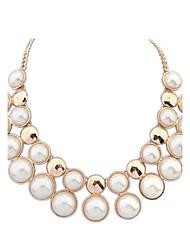 Aleación delicado con collar de perlas
