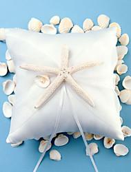 plage des étoiles de mer sur le thème de conception de satin blanc oreiller anneau