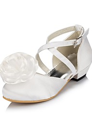Women's Shoes Satin Spring / Summer / Fall / Winter Comfort Wedding Flat Heel Satin Flower / Flower Ivory / White