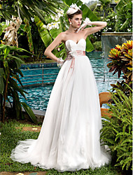Lanting Bride A-line Petite / Plus Sizes Wedding Dress-Sweep/Brush Train Sweetheart Lace / Tulle