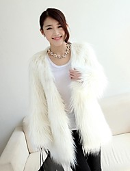 Fashion Long Sleeve Collarless Faux Fur Party/Casual Coat