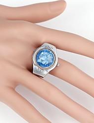 Rotonda delle donne intagliato anelli metallici Watch (1pc)