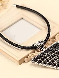 moda siyun high end triângulo grande geometria em forma de colar curto com rebites bIack