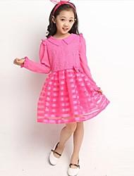 Модное платье с кружевом для девочек