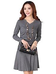 vestido de manga larga talla grande v cuello de la mujer
