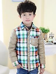моды личности контраст цвет проверка мальчика теплое пальто
