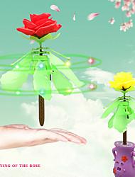 rc helicóptero voando flor rosa voando sentido subiu presente para a educação namorada aprendendo