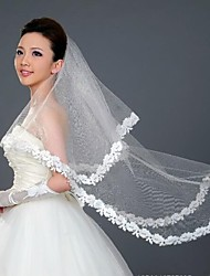One-tier Wedding Veil With Lace Applique Edge