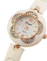 Type de fleur en plastique cadran de montre bracelet bande de quartz des femmes